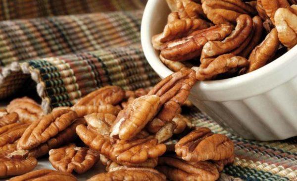 В сутки можно съедать не больше 100 грамм орехов