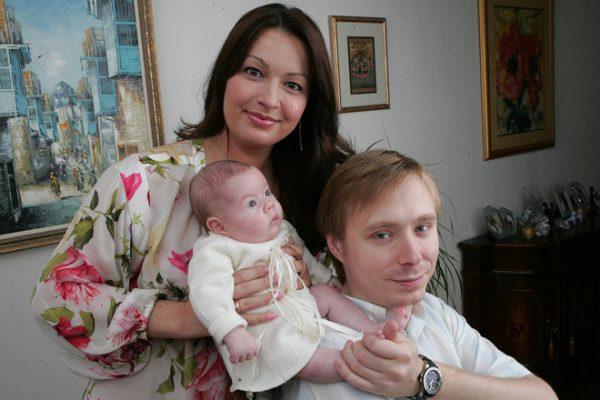 А. А. Масляков с женой и дочкой