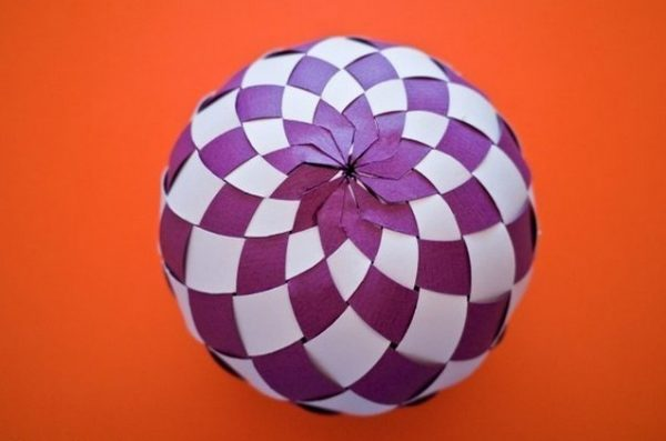 83-e1513638115315 Как сделать шарик из бумаги своими руками? Бумажные шары на Новый год