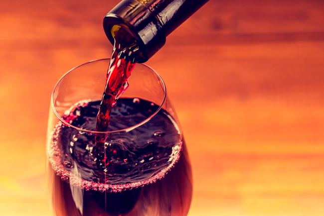 Протрезвление после вина проходит быстрее