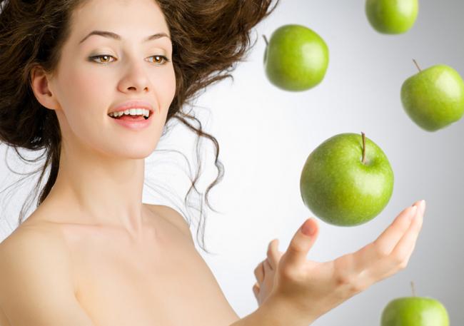 Кожура зеленого яблока так же богата полезными веществами
