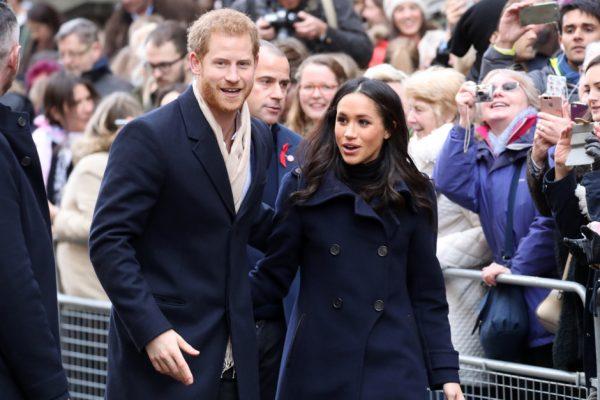 Королева Елизавета II одобрила брак принца Гарри и Меган Маркл