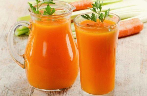 Сок из свежей моркови очень полезен для печени