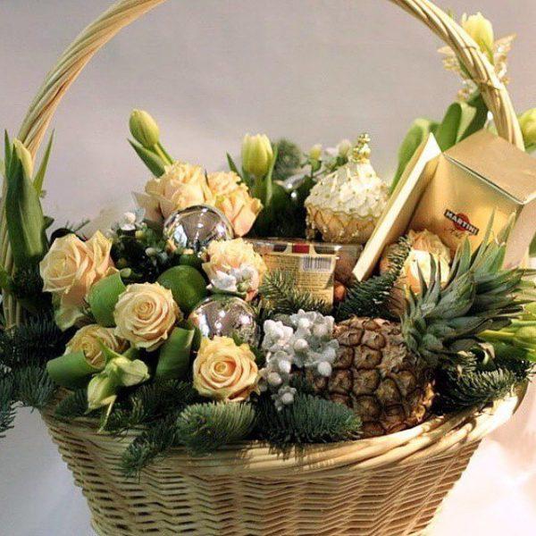Букет цветов - классический подарок на Новый год