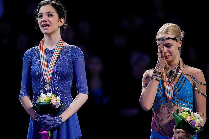 Медведева выиграла золото чемпионата мира