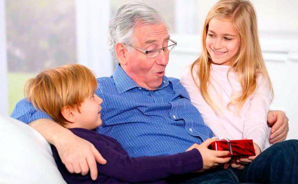 Подарите свое внимание любимому дедушке на Новый год