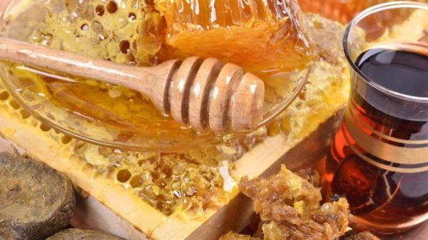 Мед с прополисом применяется для лечения онкологических заболеваний