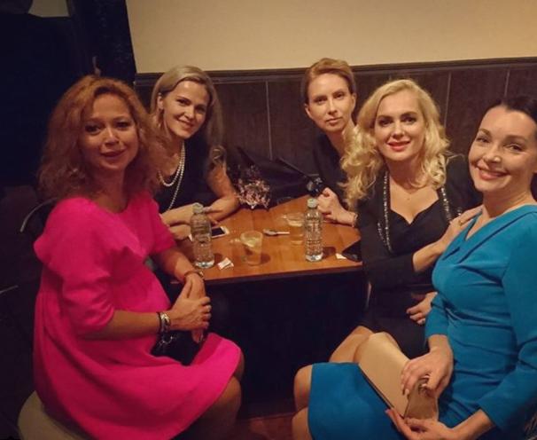 Елена Захарова на встрече выпускников Щукинского училища