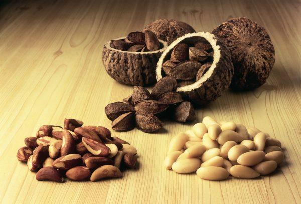 От злоупотребления орехов может возникнуть расстройство желудка