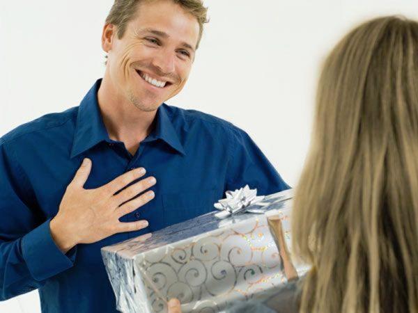 Личное вручение подарка