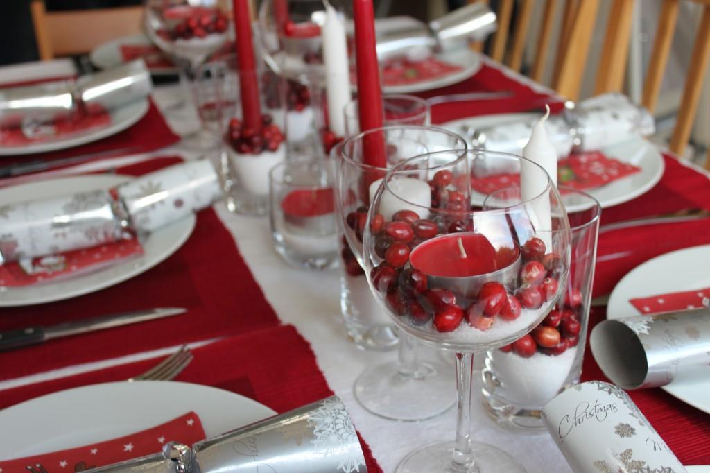 Как украсить стол на Новый год 2018 своими руками: фото