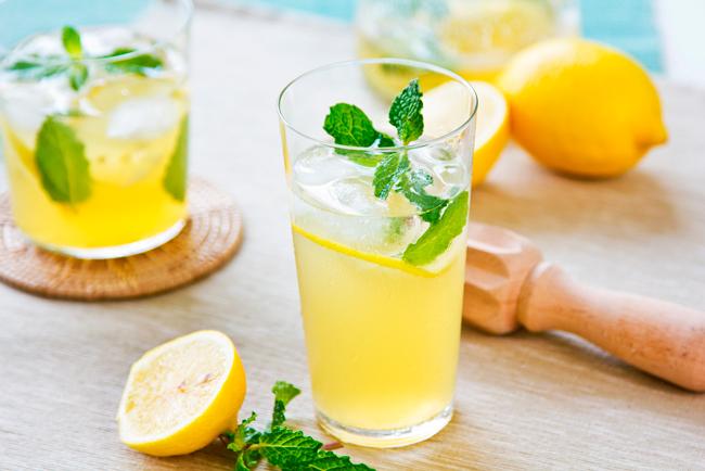 Лимонная вода поможет в похудении