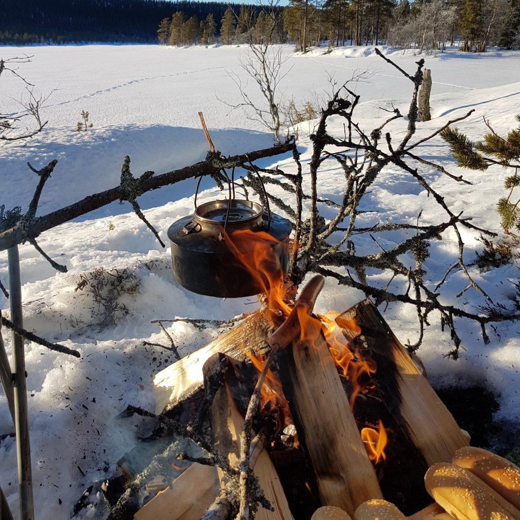 Новый год в Карелии: пикники и угощение на свежем воздухе