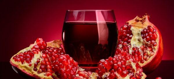 В составе гранатового сока содержится большое количество витаминов