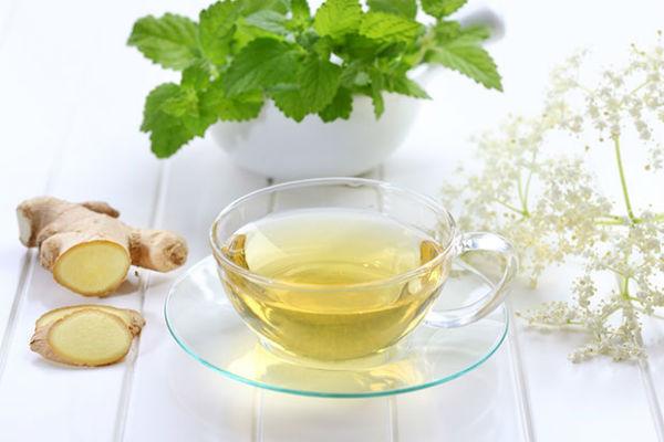 Ароматный чай из имбиря избавит от простуды и боли в горле
