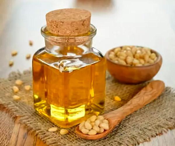 Кедровое масло нужно очень осторожно принимать при беременности