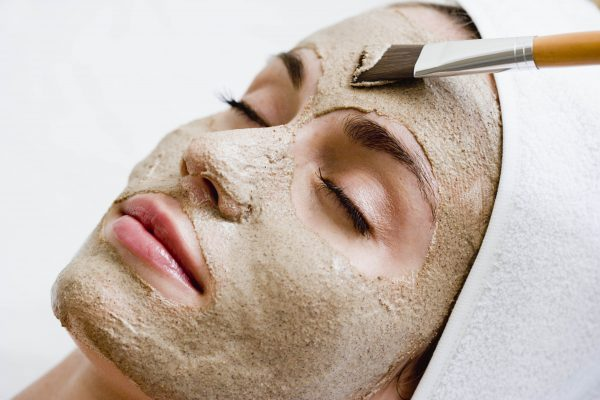 Семена льна используются для приготовления масок в косметологии