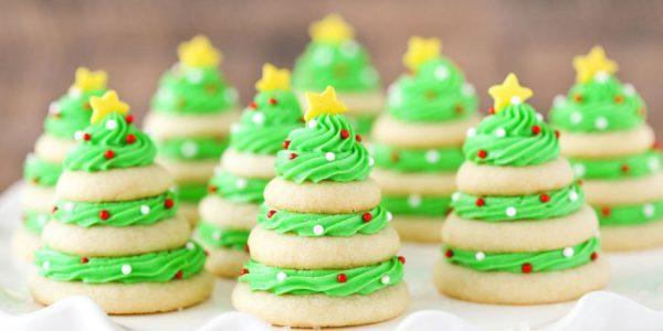 Новогоднее печенье в виде елочек