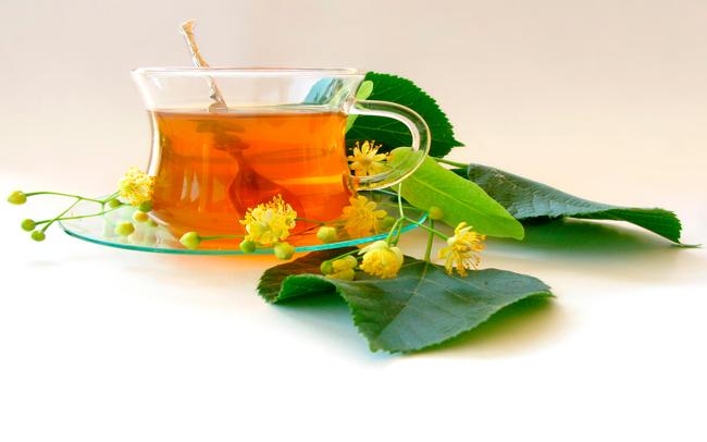 При приготовлении липового чая можно добавлять добавки