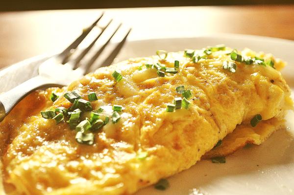 Утренний омлет с сыром