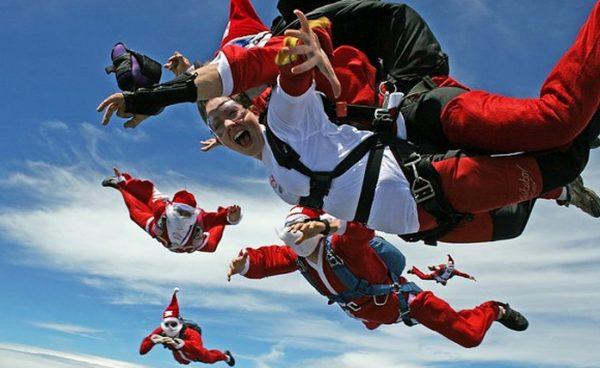 На Новый год можно прыгнуть с парашютом