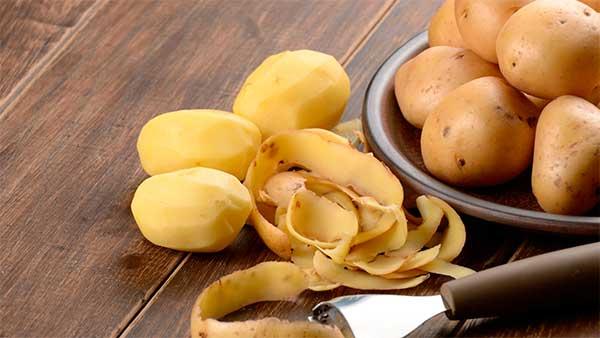 В картофельном соке содержится большое количество витаминов и минеральных веществ