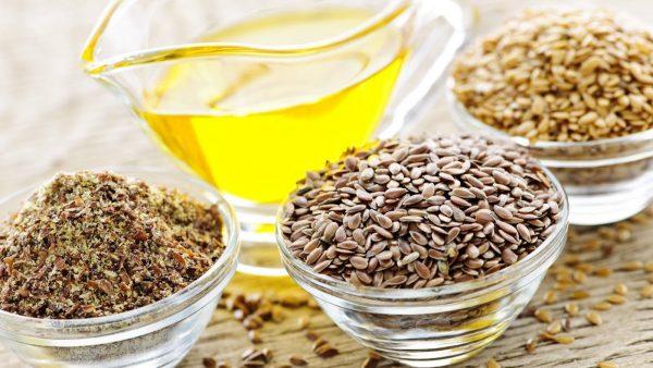 Масло из семян льна очень полезно для здоровья