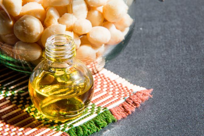 Широко применяют и масло ореха макадамия
