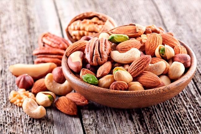 Карнитин содержится в орехах