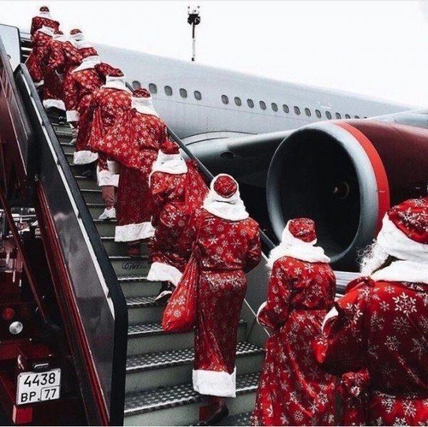 Санта в самолете