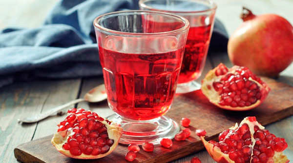 Не желательно употреблять гранатовый сок при язве желудка