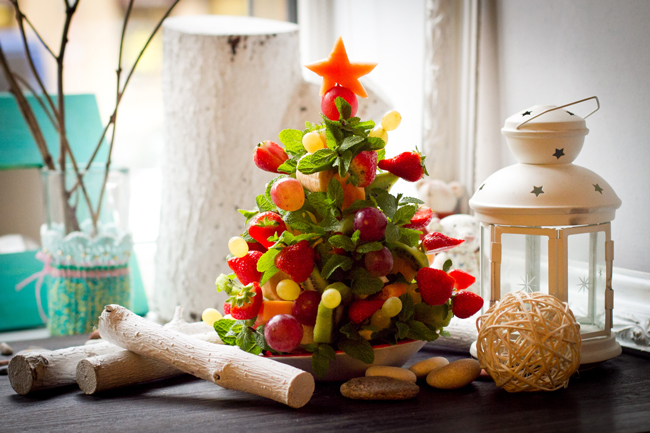 Елочка из фруктов на стол