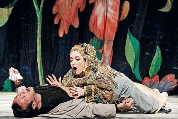 А. Самохина на сцене театра