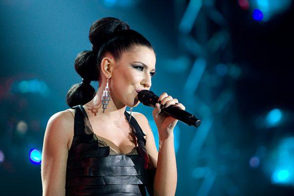 Певица Елка на сцене
