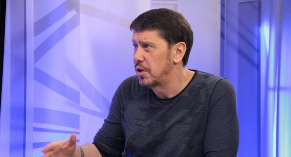 Лурье работал помощником депутатов