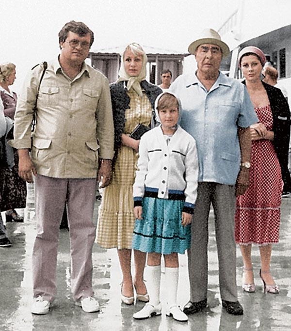 Виктория Филлипова со своим знаменитым дедом Леонидом Брежневым