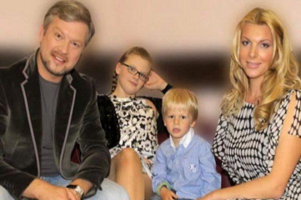 Валдис Пельш с семьей