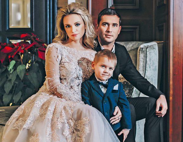 Милана с мужем и младшим сыном