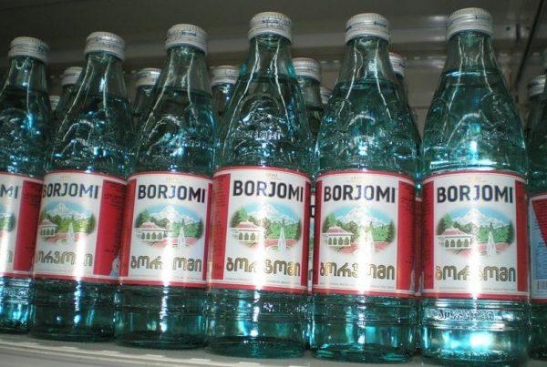 Во время покупки минеральной воды Боржоми остерегайтесь подделок