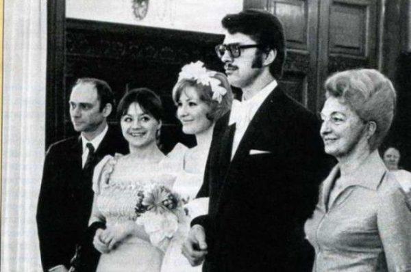 Петр Игенбергс в молодости со своей женой Людмилой Максаковой