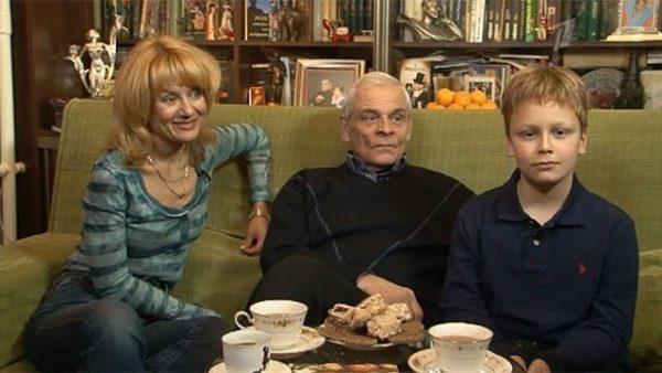 С женой Жанной Жердер и сыном