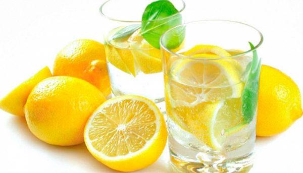 Вода с лимоном очистит сосуды