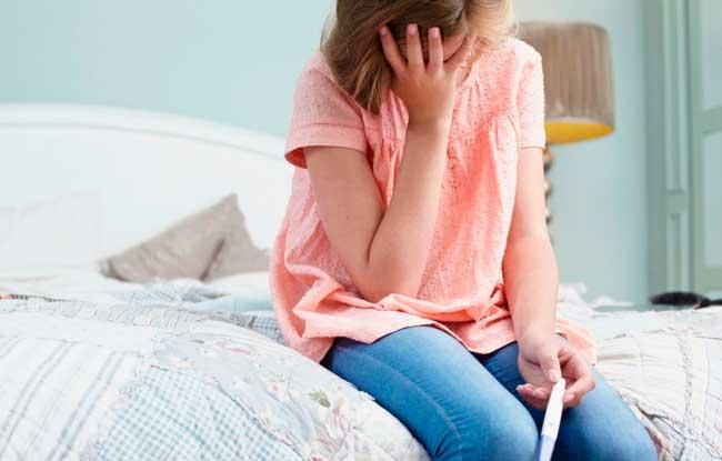 недостаточное количество прогестерона в крови может послужить причиной выкидышв