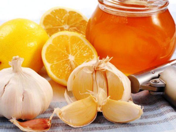 Лимоны, чеснок и мед для очищения сосудов