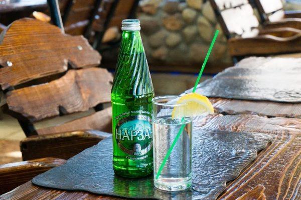 """Минеральную воду """"Нарзан"""" не рекомендовано пить при онкологических заболваниях"""