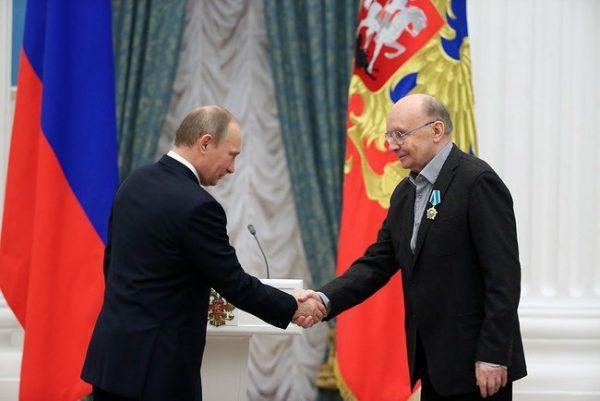 А. Мягков получил звание Заслуженного артиста России