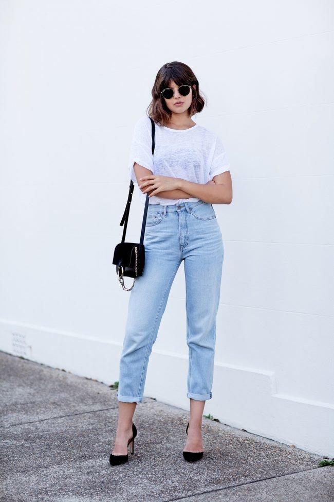 Сочетание джинсов и футболки