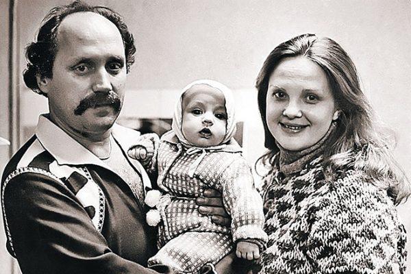 Светлана Пенкина и Владимир Мулявин с сыном