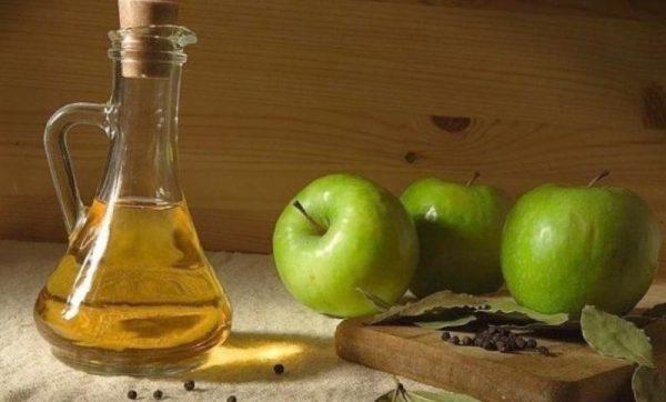 В яблочном уксусе содержится большое количество витаминов