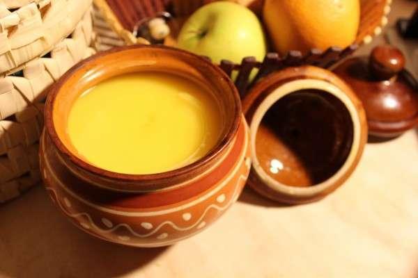 Топленое масло используют для приготовления разных блюд